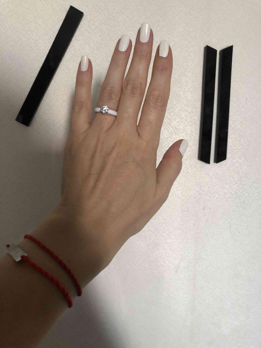 Белое керамическое кольцо. 16 размер