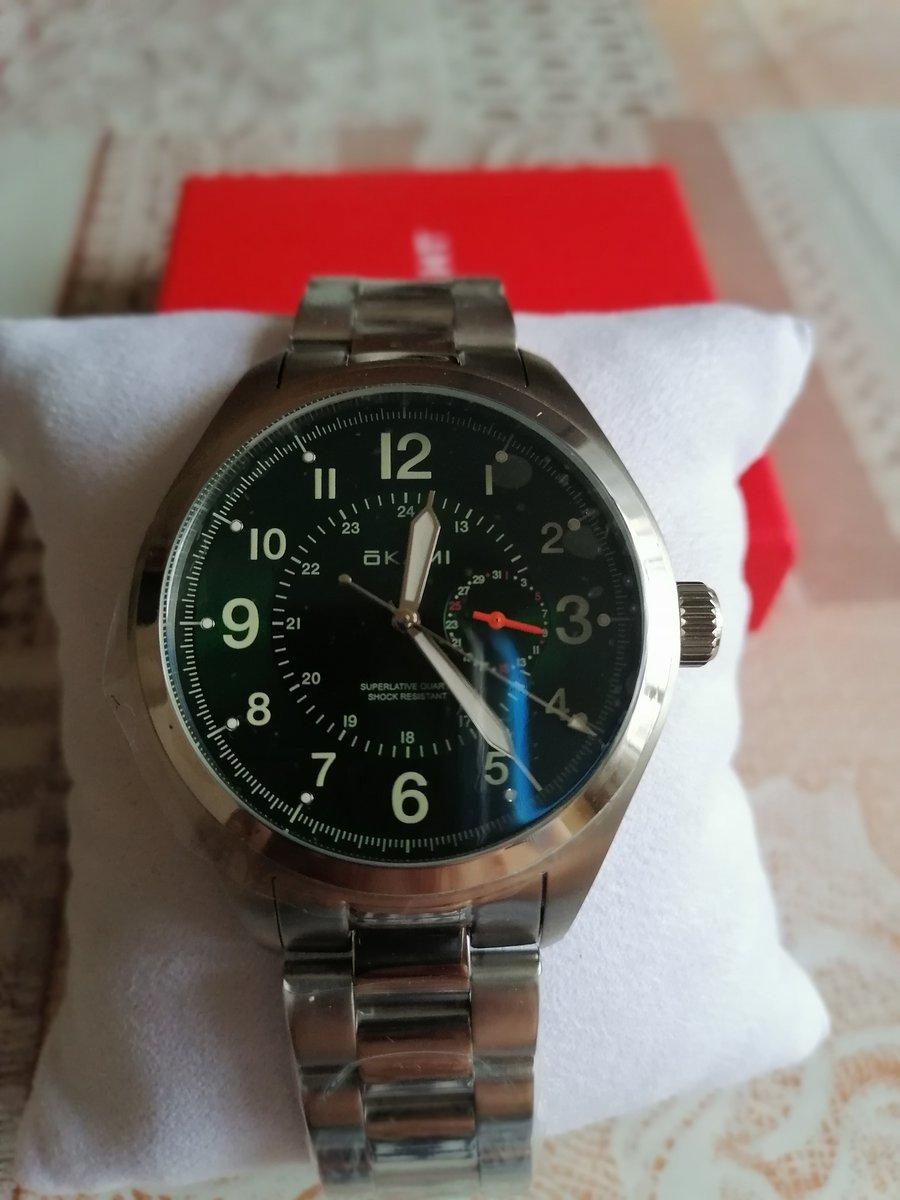 Покупала в подарок! Очень довольна покупкой. Часы очень красивые!