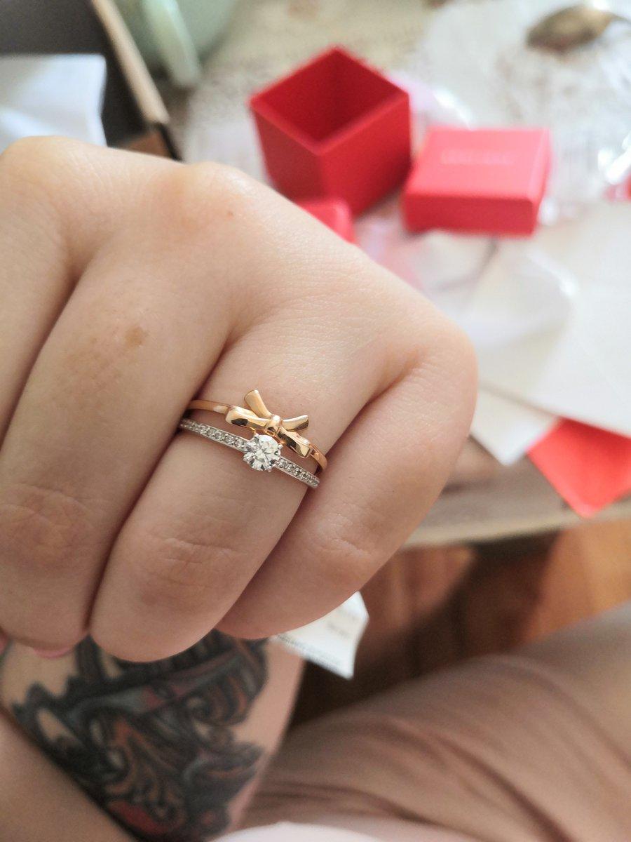Золотое кольцо с бантом