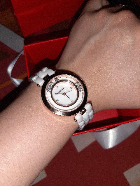 Красивые,отличные часы