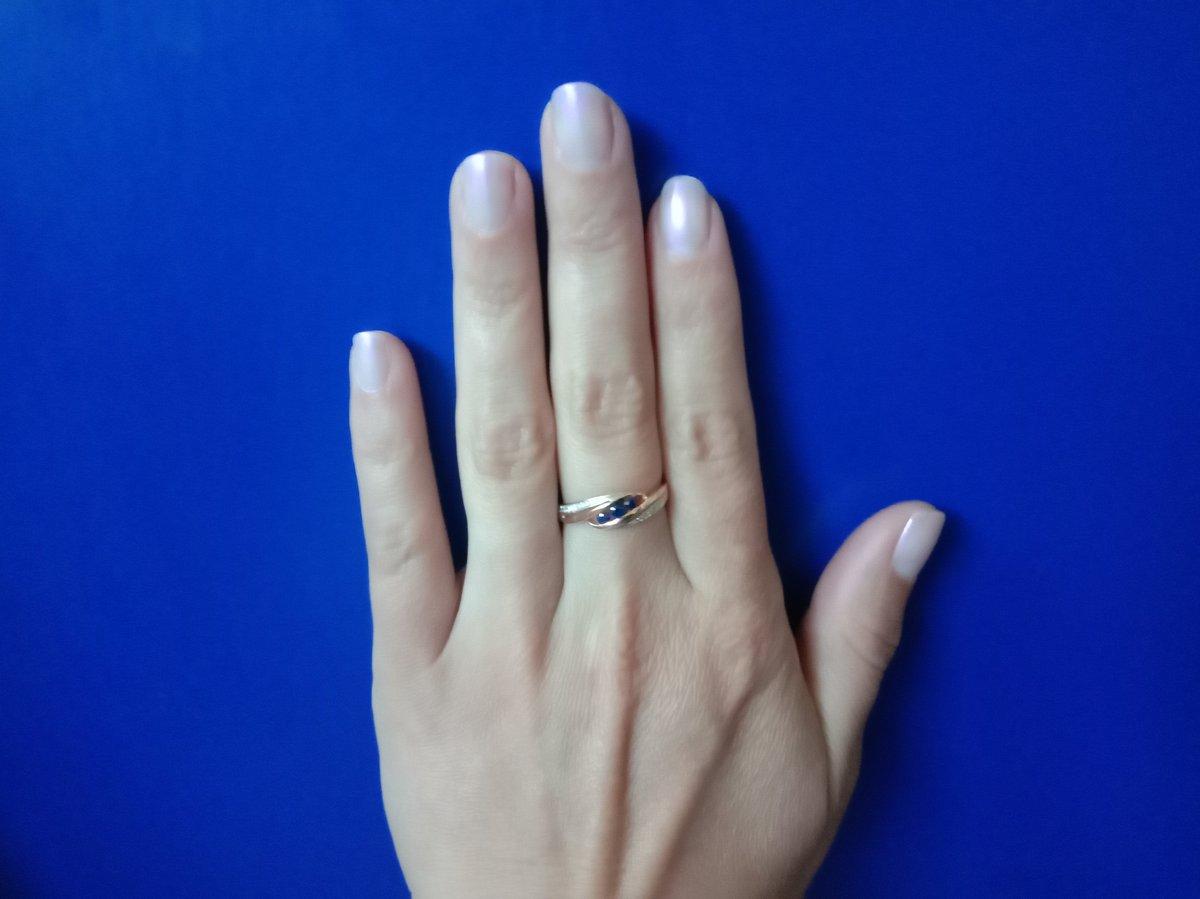 Кольцо золотое.