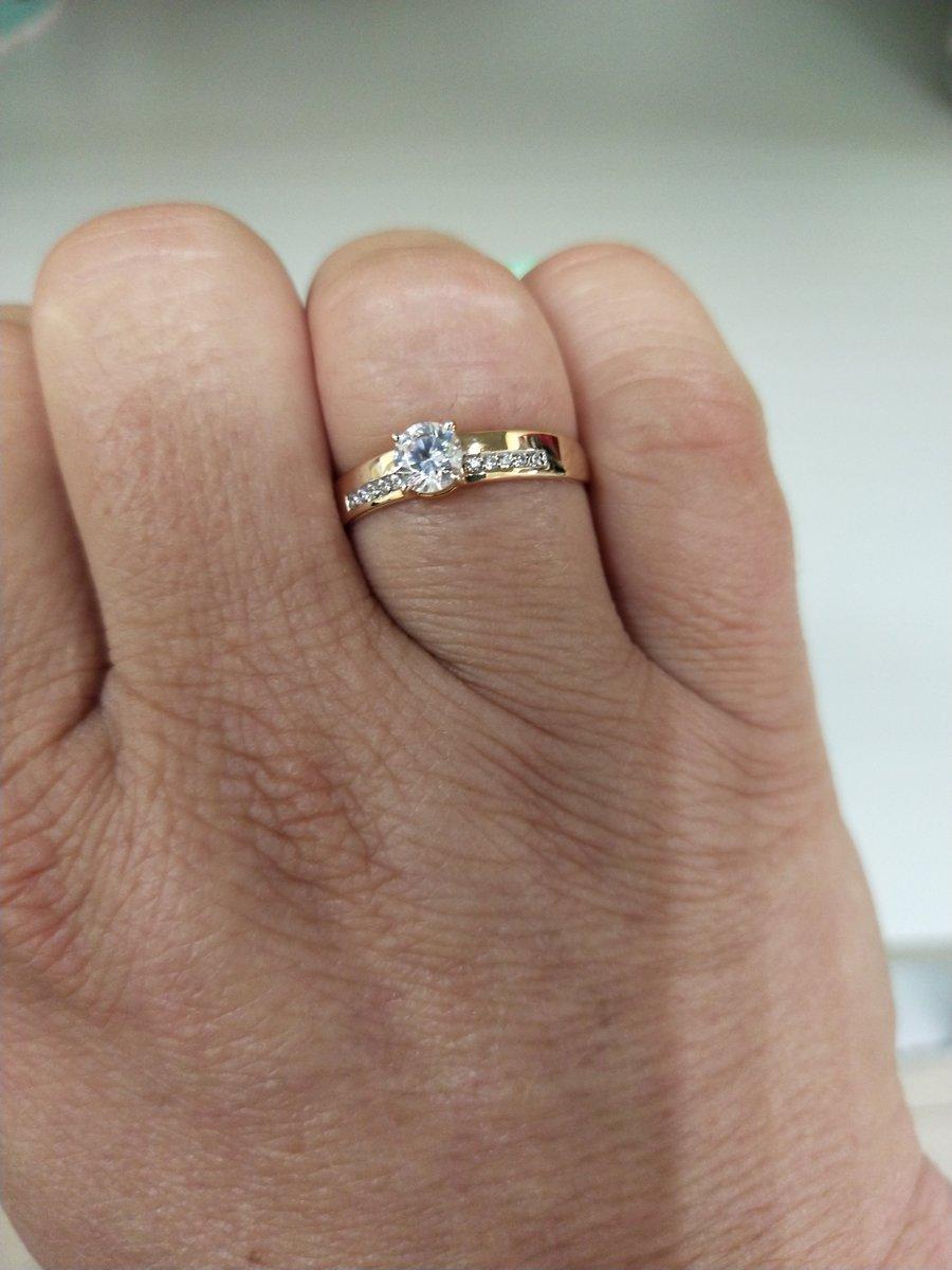 Аккуратное красивое кольцо