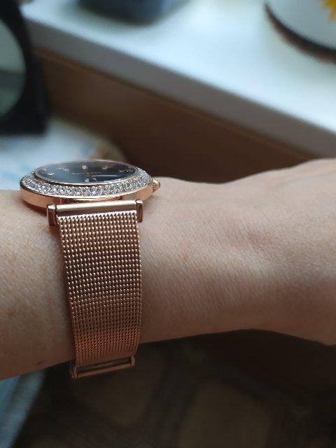 Часы с браслетом.
