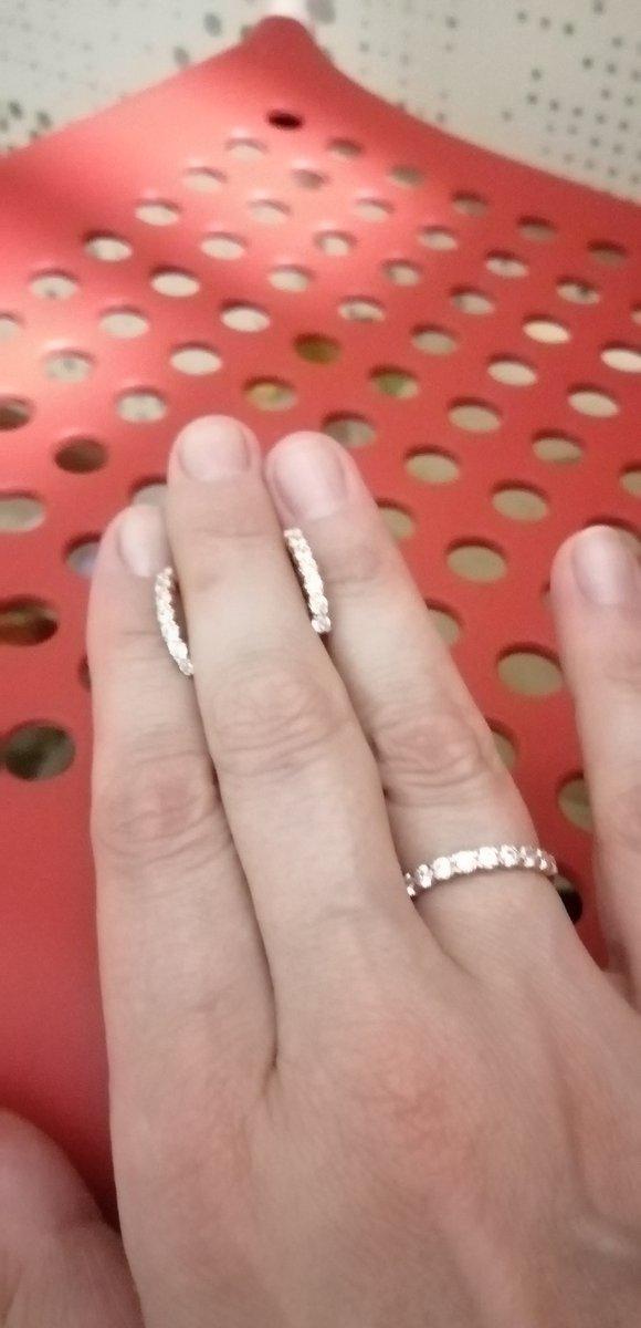 Красивые серьги в комплекте с кольцом супер