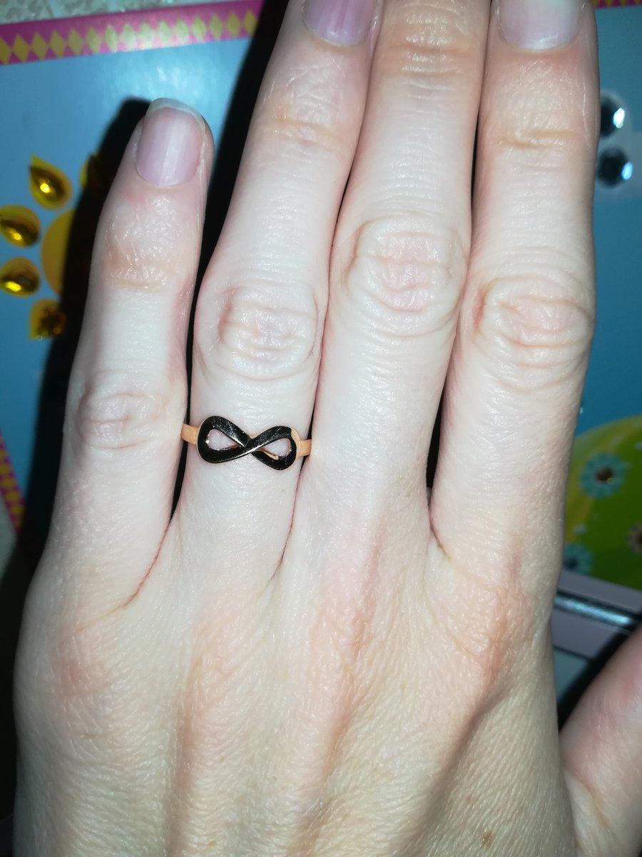 Кольцо-бесконечность