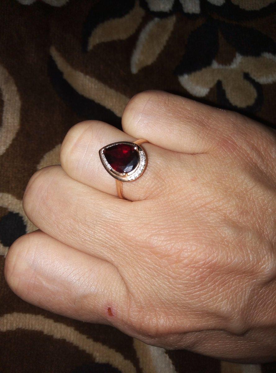 Кольцо с гранатом и бриллианты