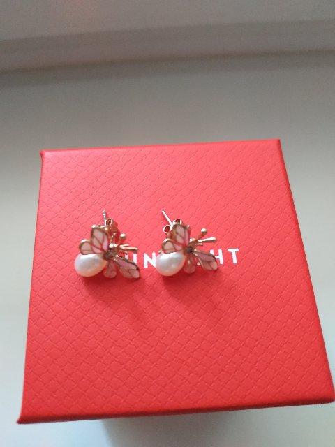 Сережки для романтичной девушки или мечтательной девчушки