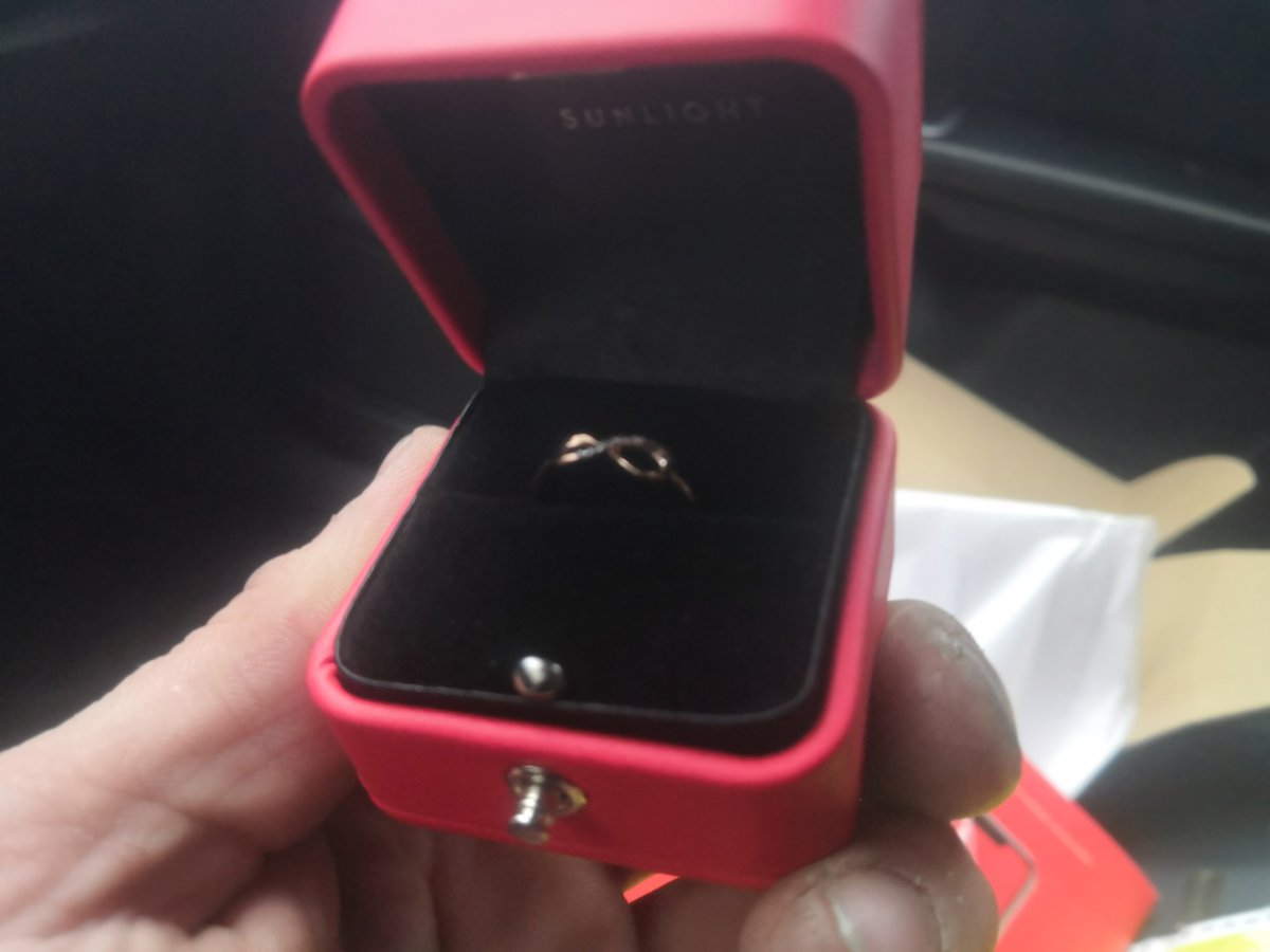 💍золотое кольцо с бриллиантами
