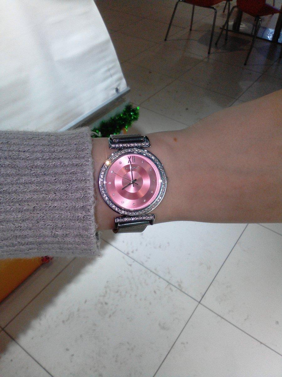 Невероятной красоты часы!