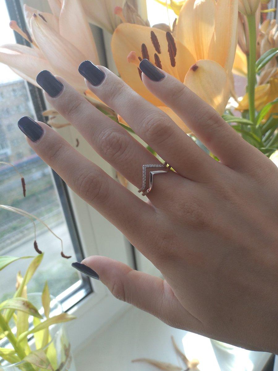 Очень аккуратное и нежное кольцо