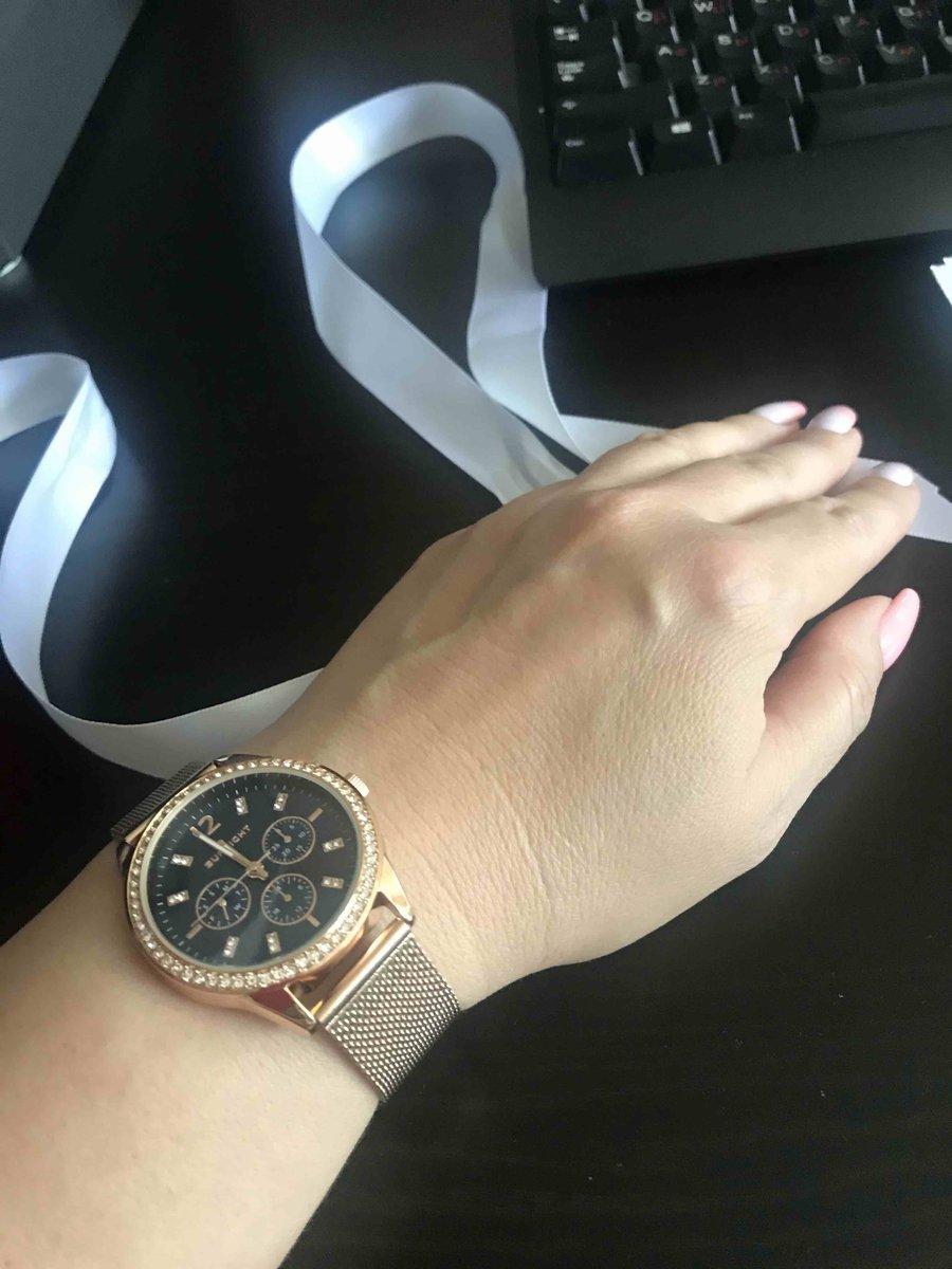 Хорошие часы под розовое золото
