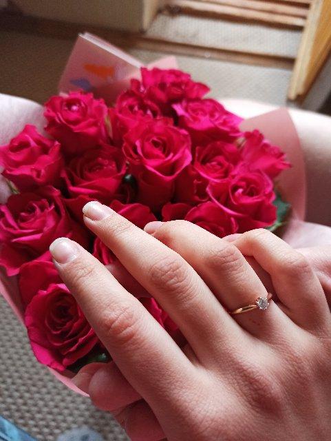 Прекрасное помолвочное кольцо