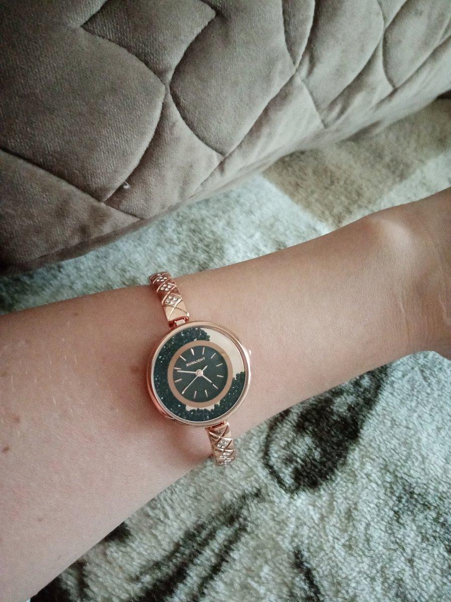 Часы просто великолепные. Но немного большеваты для моей ручки.