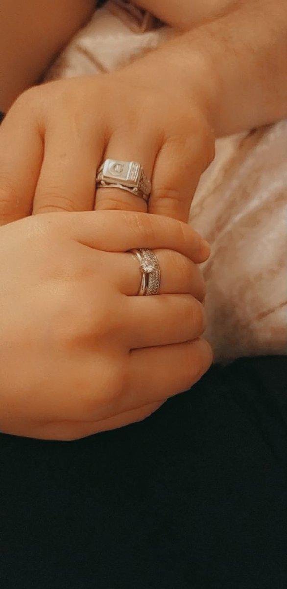 Отличный кольцо