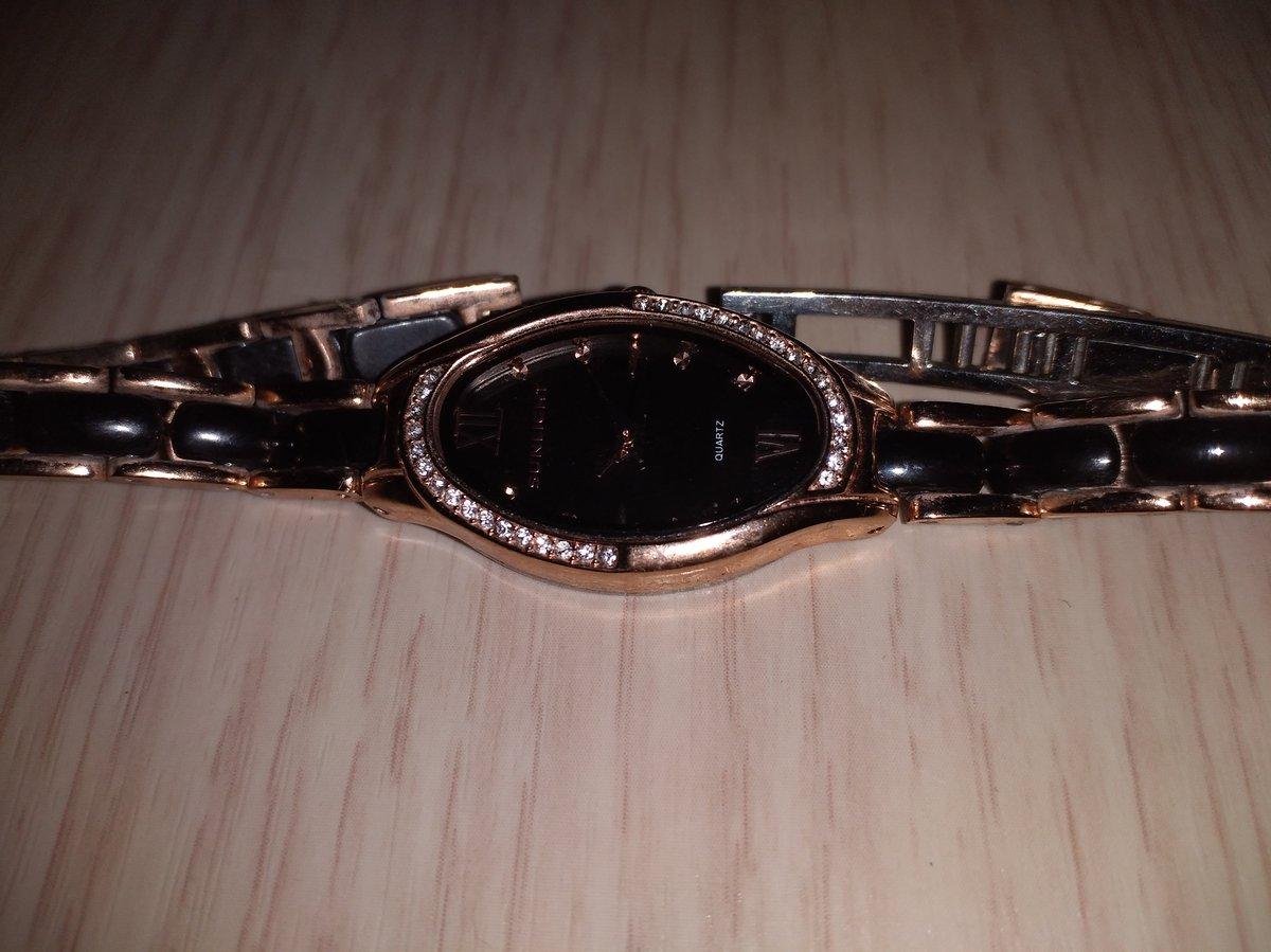 Часы очень красивые на каждый день 😉