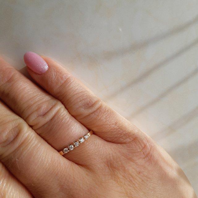 Доступное кольцо с бриллиантами