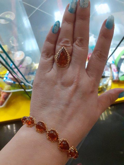 Шикарный оранжево-красный янтарь
