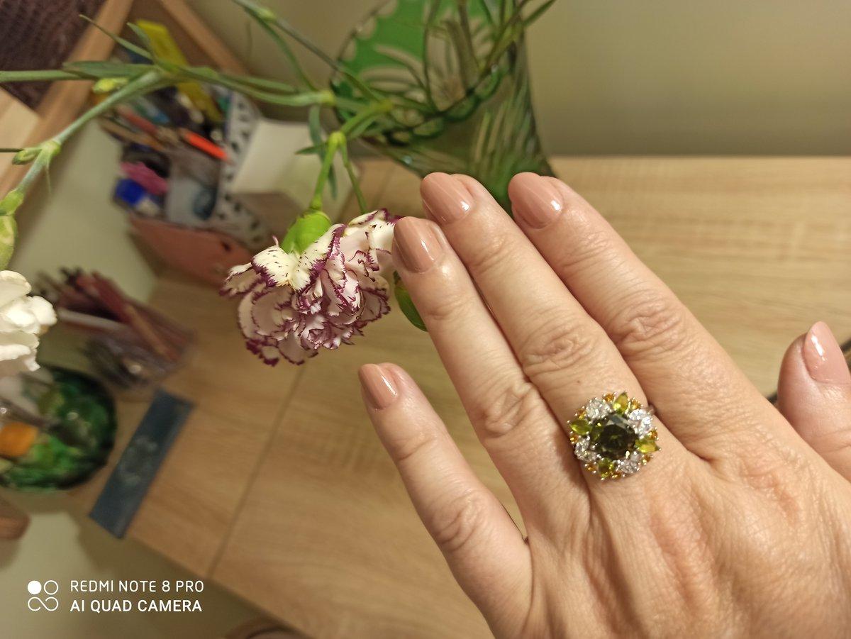 Кольцо с кварцем и фианитами