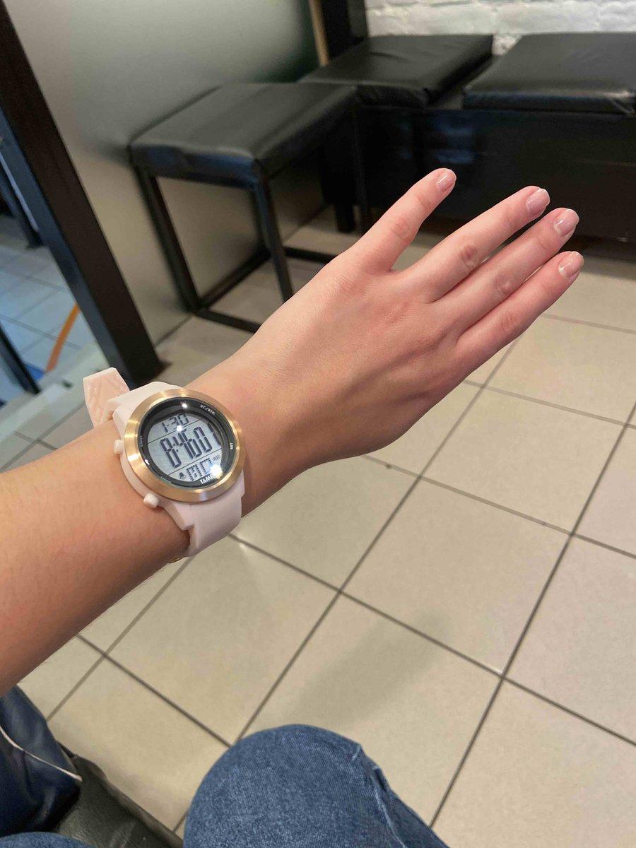 Очень удобные и красивые часы!