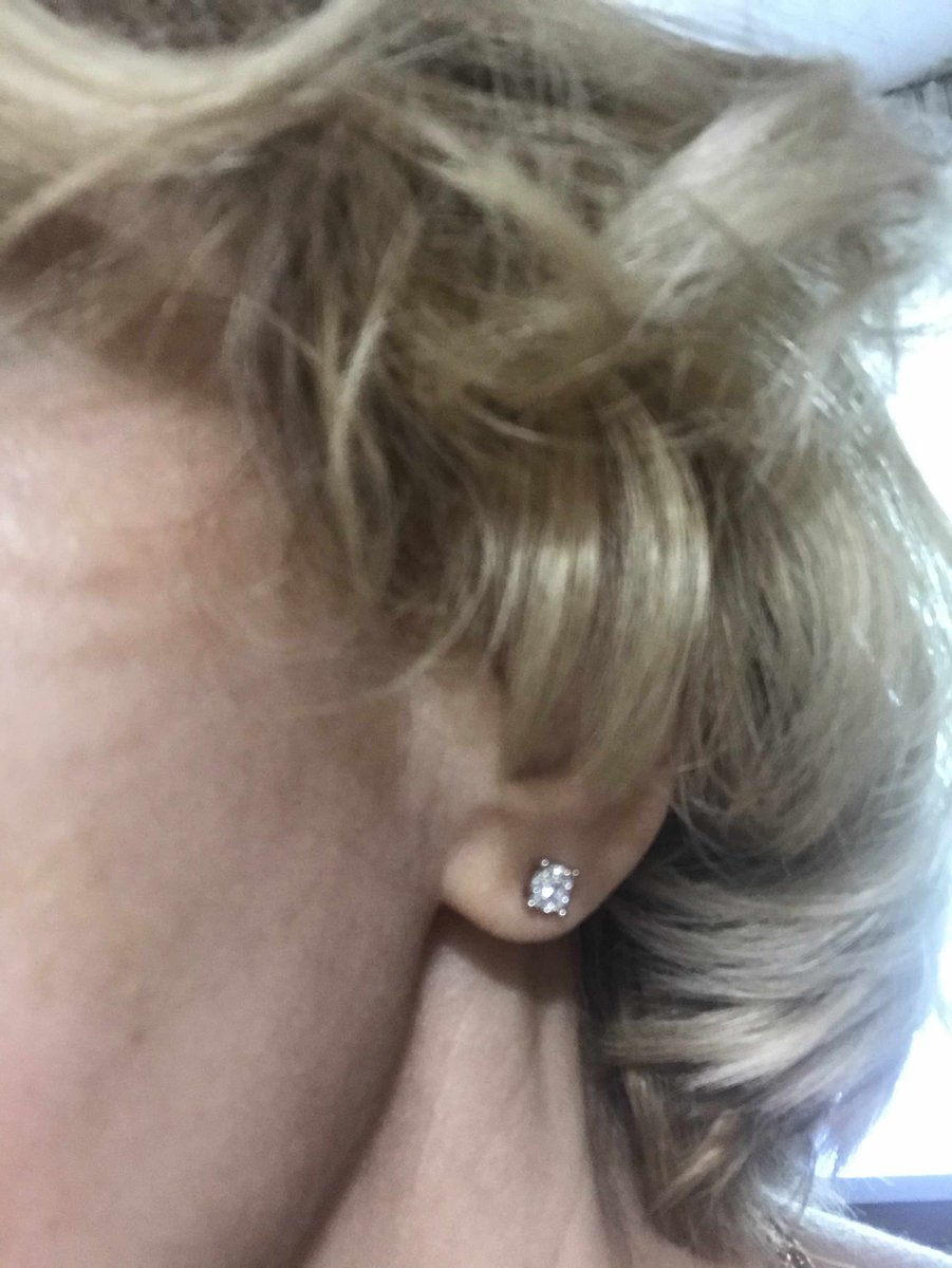 Прекрасное украшение с бриллиантами Якутии.