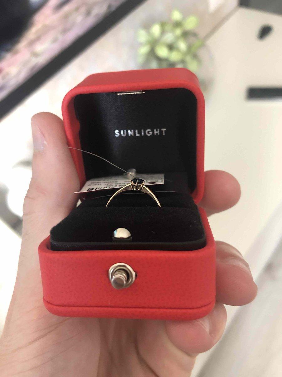 Отличное кольцо с натуральным сапфиром, классика которая никогда не стареет