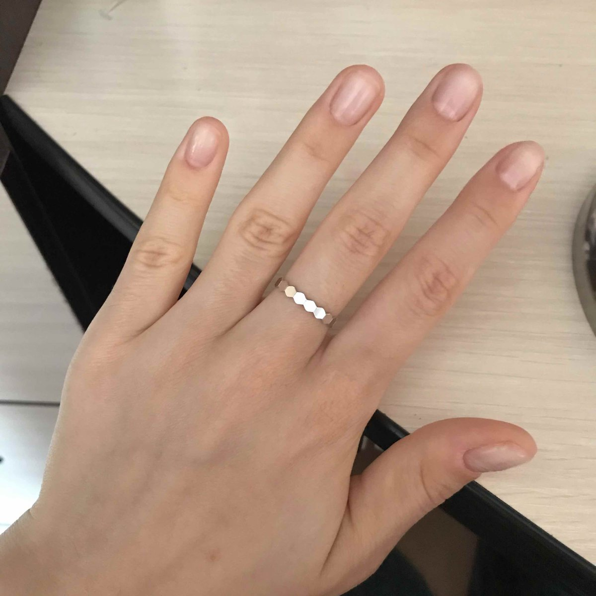 Очень красивое, минималистичное кольцо)