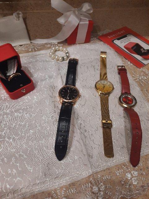 Я очень хотела приобрести эти часы, ждала скидки. смотрятся шикарно!