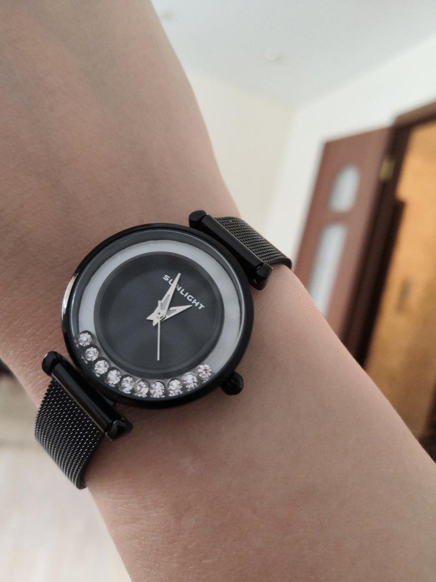 Красивые изящные часы