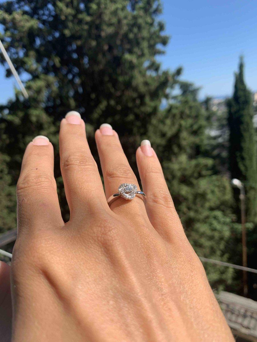 Купила кольцо в ялте , не могу насмотреться