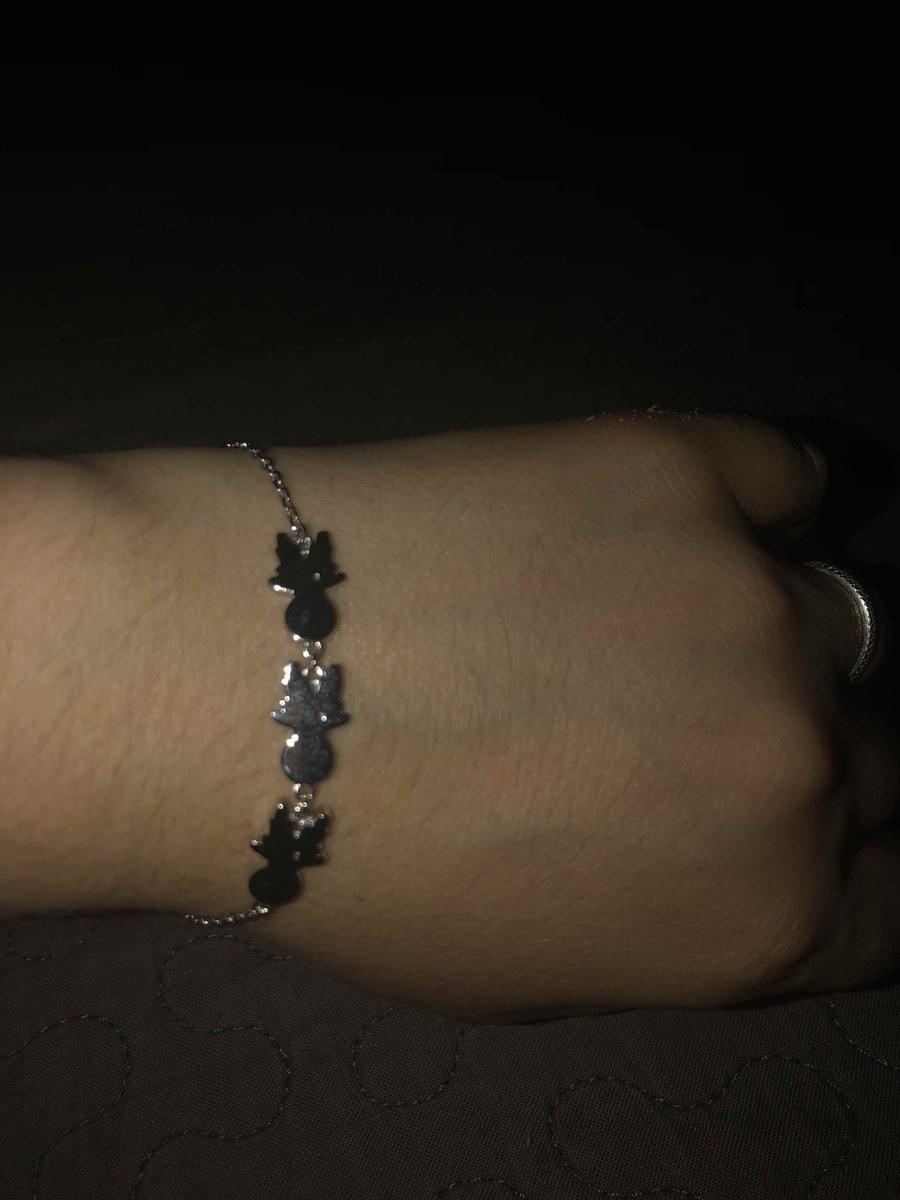 Оригинальный браслет, красиво смотрится на руке!