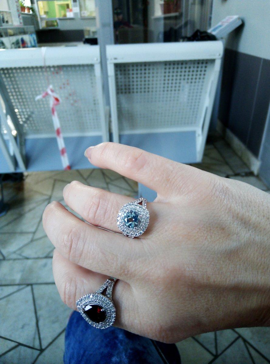 Серебряное кольцо с топазом.