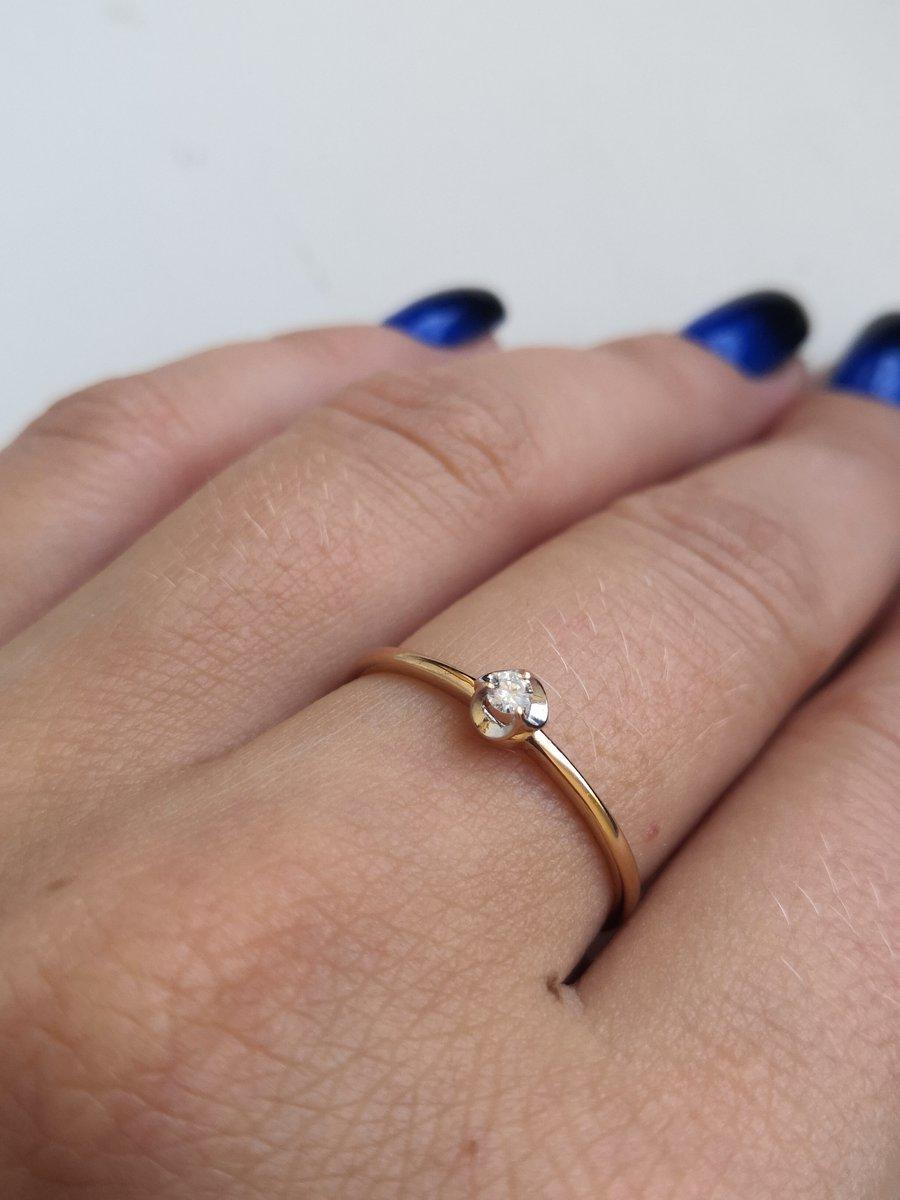 Кольцо очень красивое, изящное. жаль,что на средний палец 19 р великоват