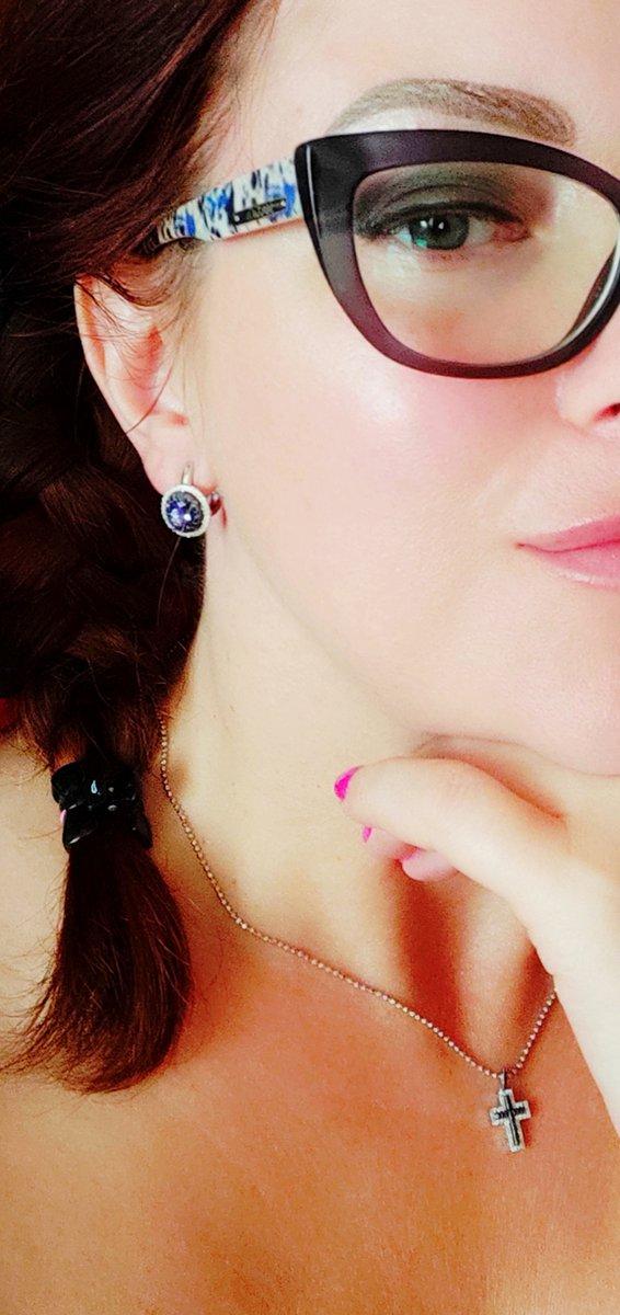 Необыкновенные серьги с танзанитом, сапфирами и бриллиантами