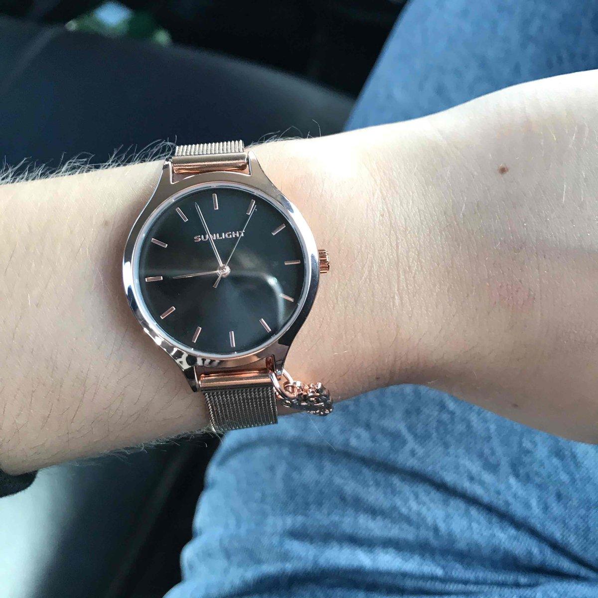Часы просто бомба😍