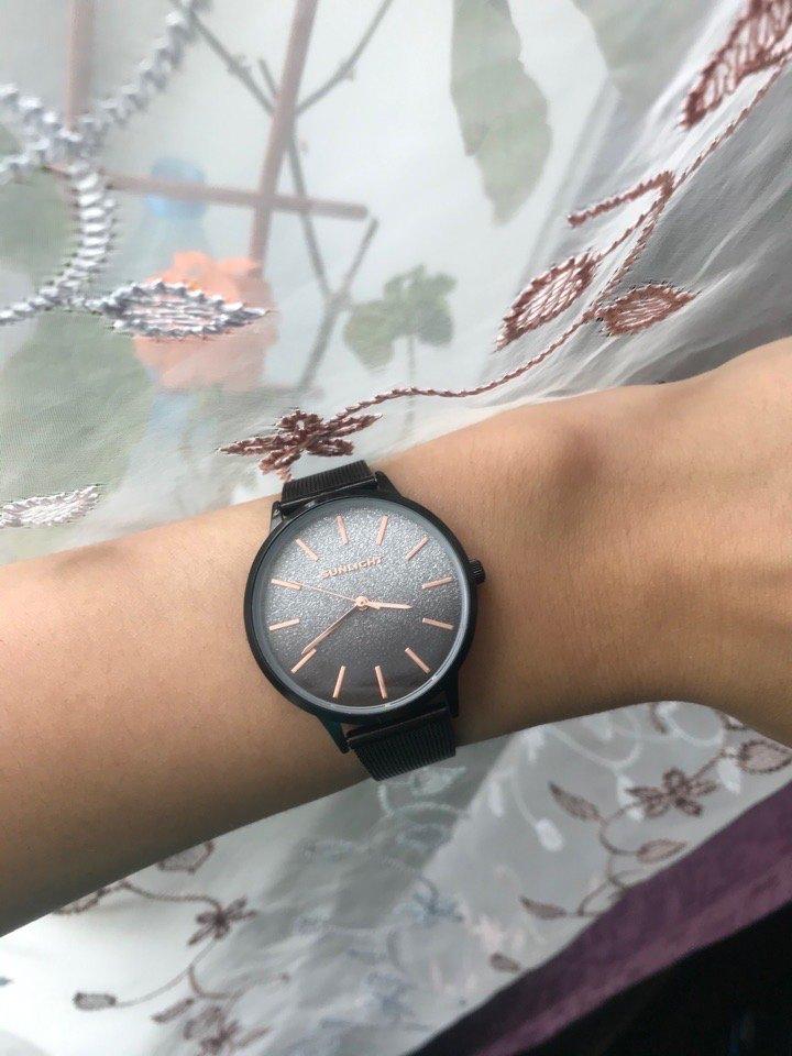 Прекрасные часы, которые идеально подходят для любого рода мероприятий.