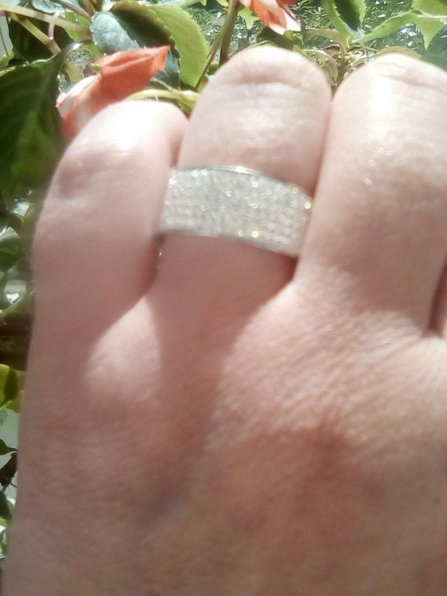 Кольцо железное с кристаллами