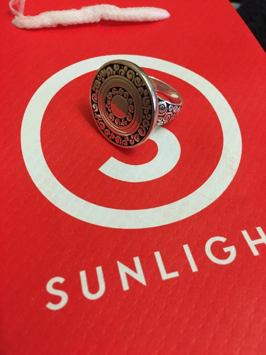 Шикарное и стильное кольцо.