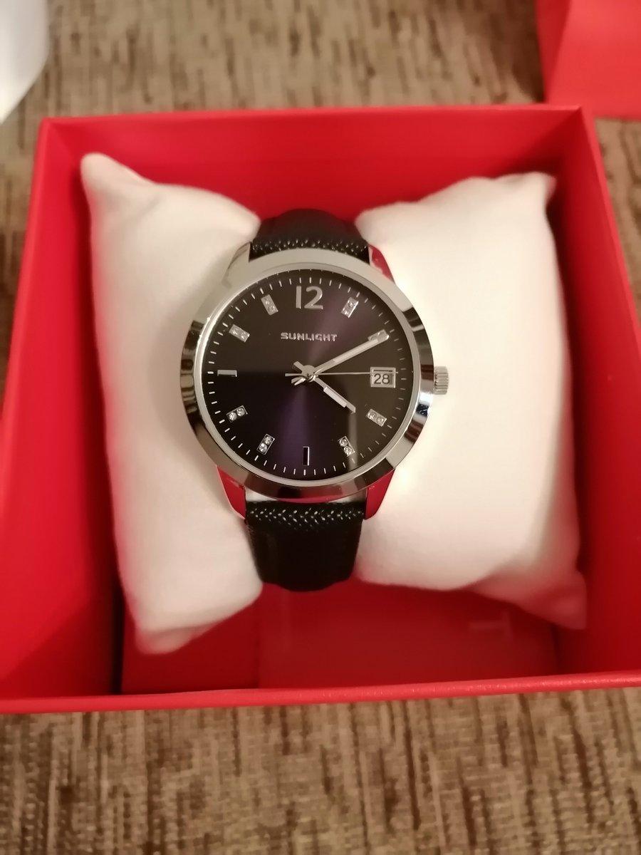 Красивые часы, ничего лишнего