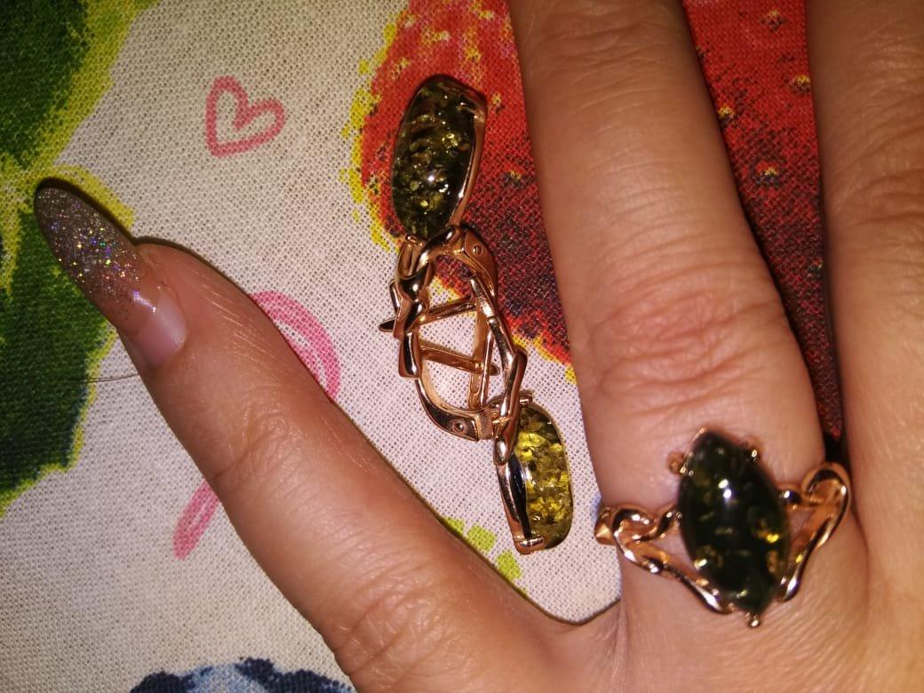 Кольцо серебряное с янтарем.