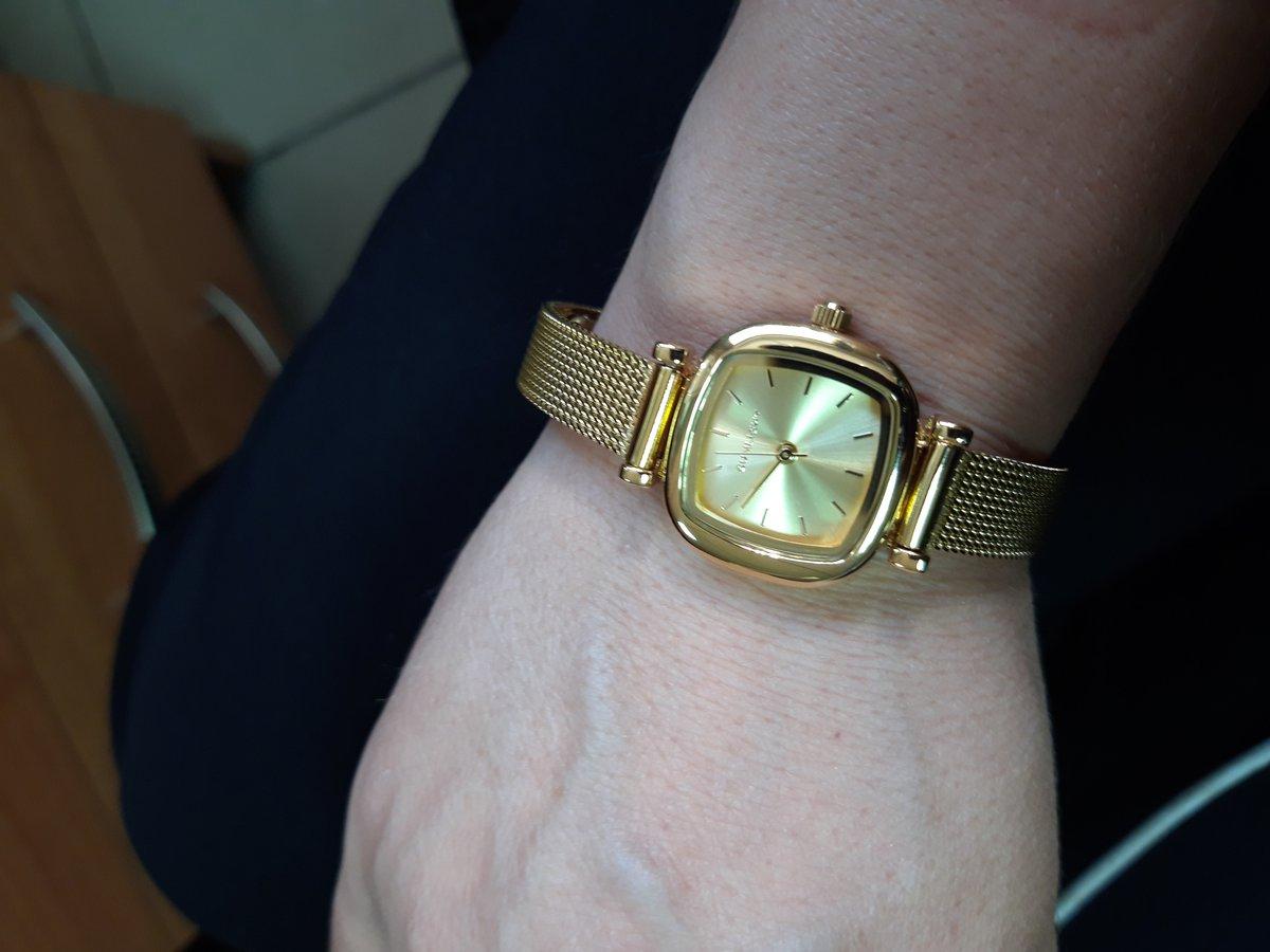 Отзыв про часы в золотом цвете