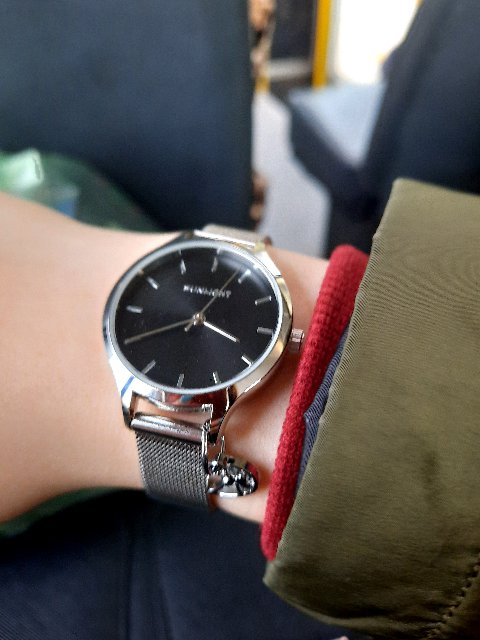 Милые, не грамоздные часы