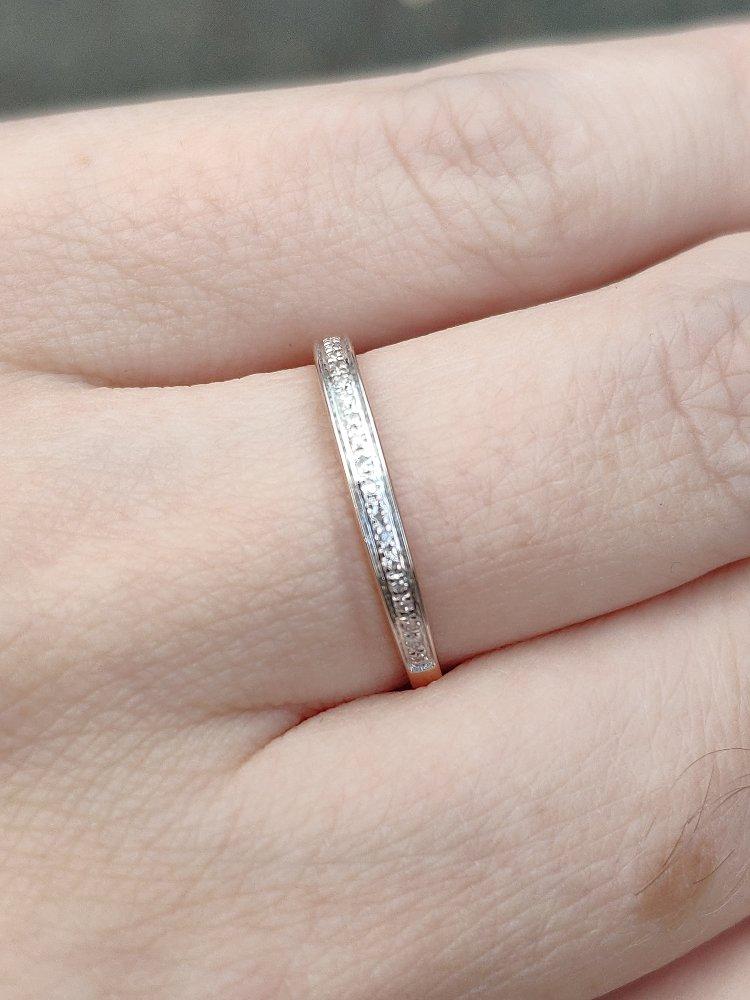 Безумно красивое, изящное и тонкое кольцо с бриллиантами. божественное