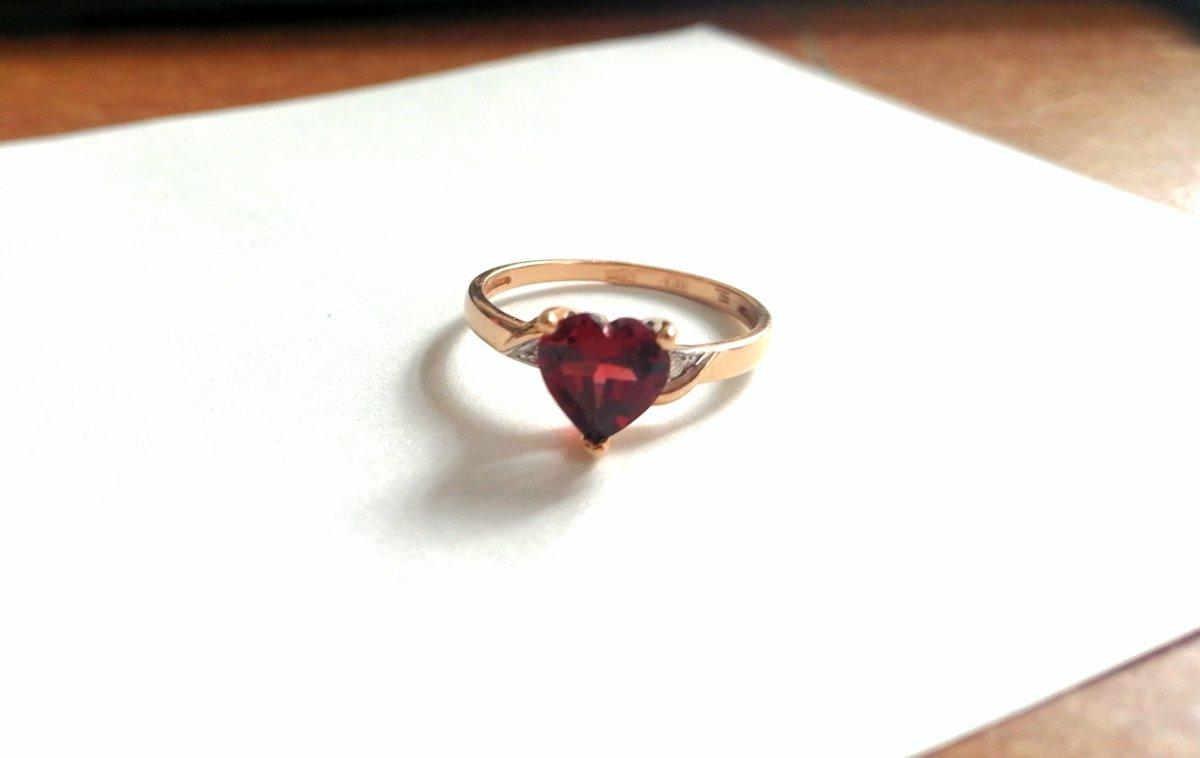 Гранатовое сердечко - любовь
