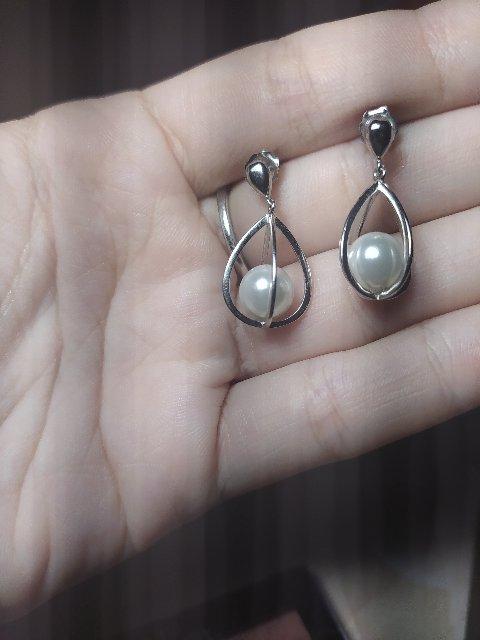 Прекрасные серебряные сережки с жемчугом