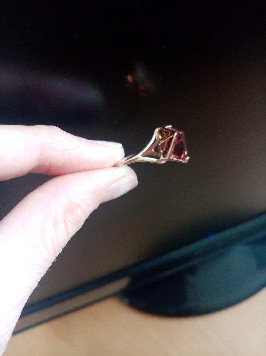 Кольцо с султанитом огранки  гептаэдр