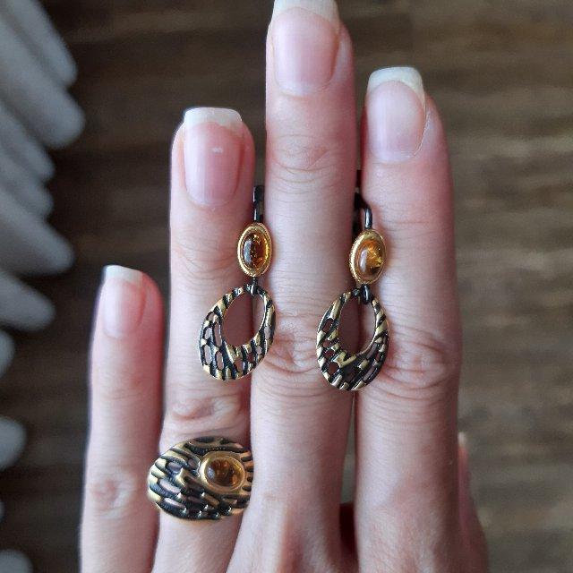 Серебряные серьги с январём