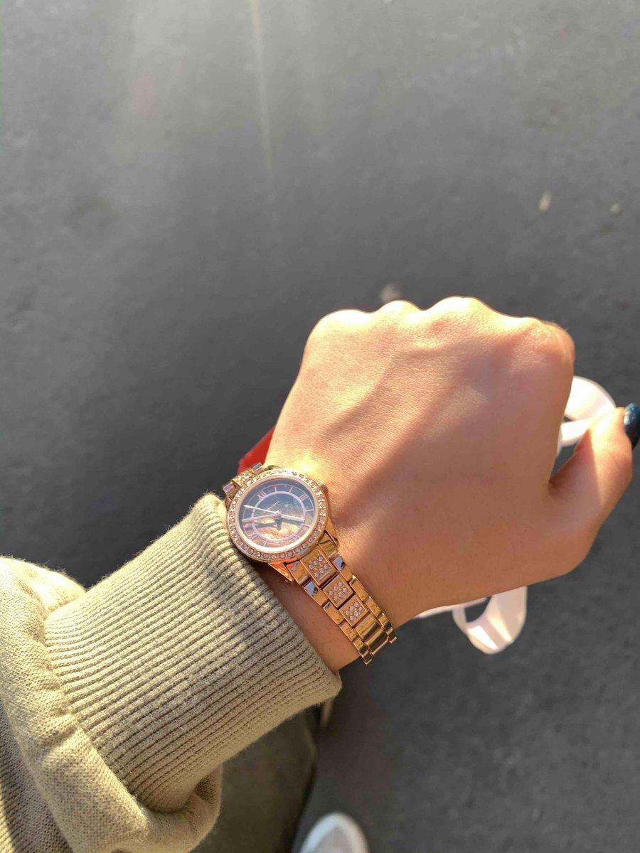 Часы прекрасные😍
