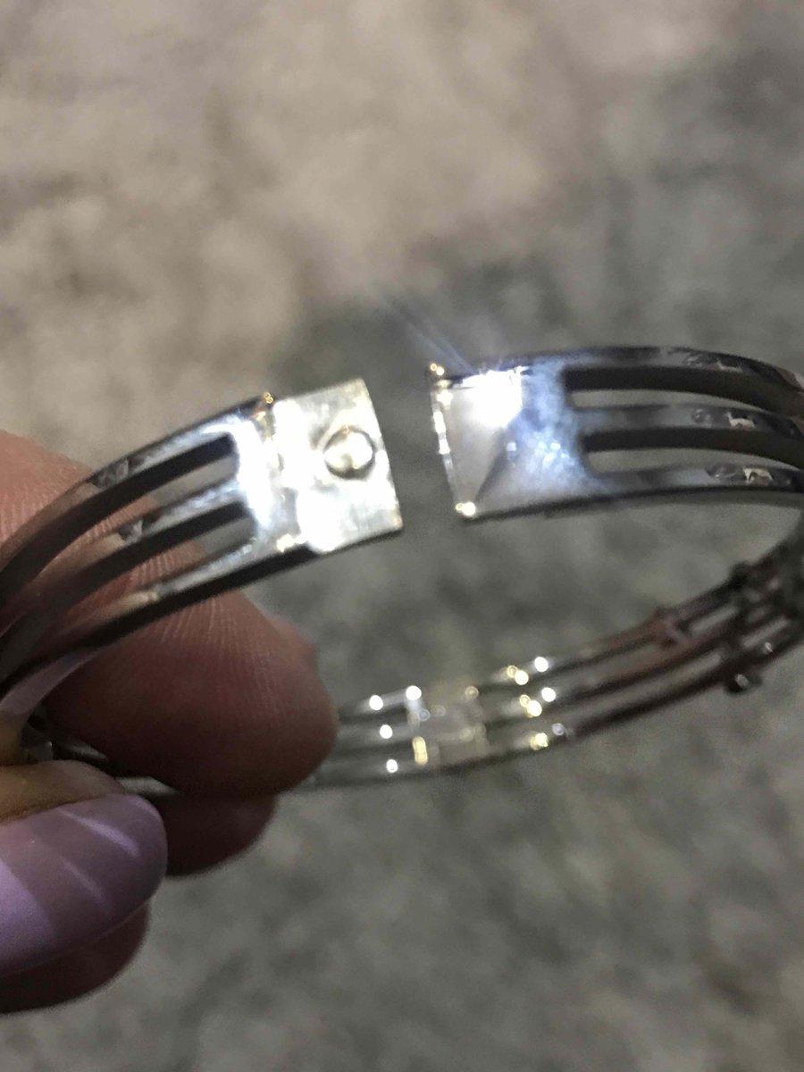 Красивый стальной браслет