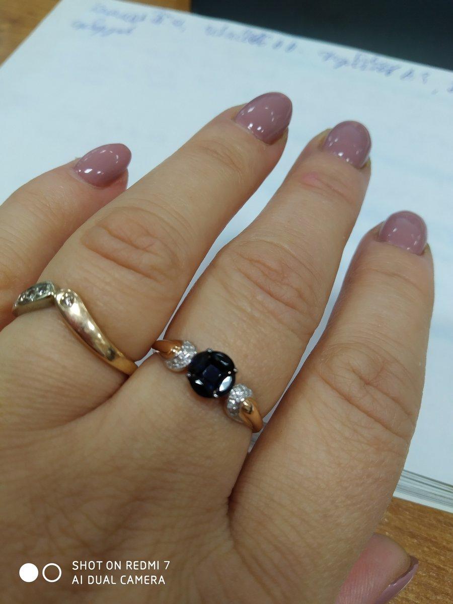 Кольцо красивое, оригинальное. но на видео выглядит крупнее. спасибо