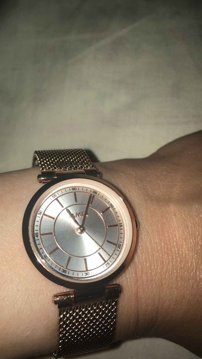 Очень аккуратгые часы!